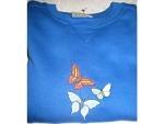 Pullover blau mit Schmetterlingen